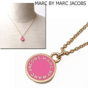 MARC BY MARC JACOBS enamel disk / knockout pink